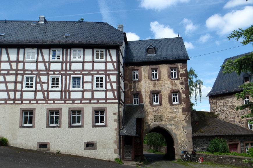 Am Schloss Eisenbach