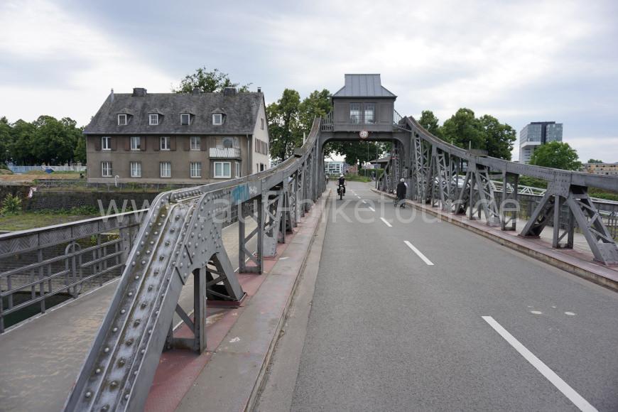 Deutzer Drehbrücke