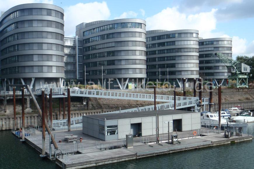 Gebäude im Innenhafen in Duisburg