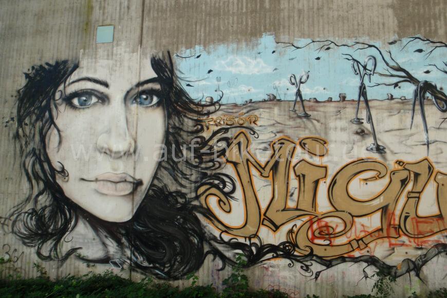 Graffiti an der Balkantrasse