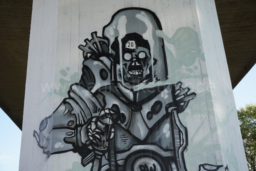 Graffiti Nippeser Bahntrasse