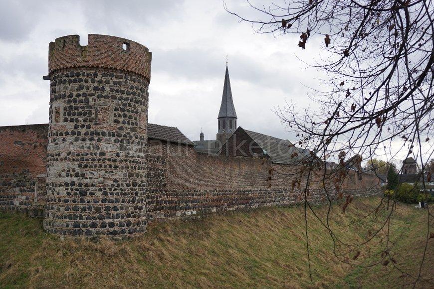 Krötschenturm in Zons