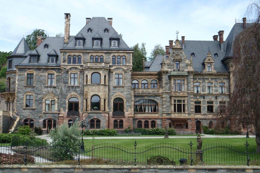 Schloss in Lieser